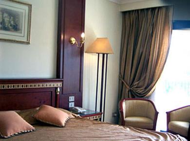 Zoser hotel room