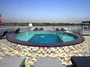 Darakum Nile cruise Swimming Pool