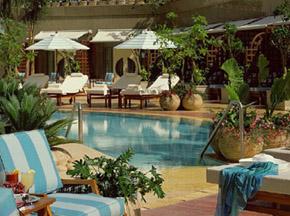 Four Seasons Nile Plaza pool